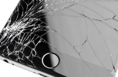 Refabrykacja pękniętej szybki iPhone